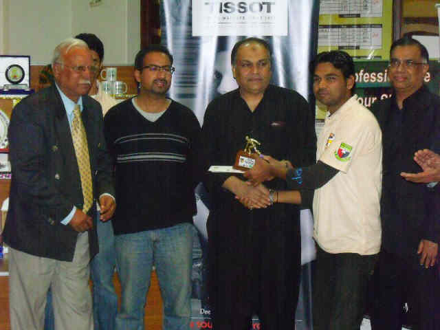 Master Winner Junaid Khan Receiving award from the cheif guest Shoaib Ahmed Siddique